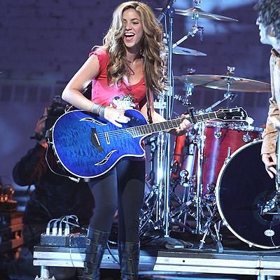 Guitar Hero: Shakira Feat Juanes