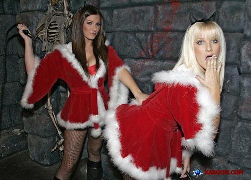 http://fanboyopolis.files.wordpress.com/2009/12/sexy-santa-girl-5.jpg?quality=88&strip=all&w=600&h=358